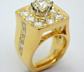 Unique Diamond Ring – 18K Yellow Gold & Platinum