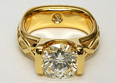 2.50ct bar set diamond ring , 18k yellow gold (anniversary and/engagement ring)